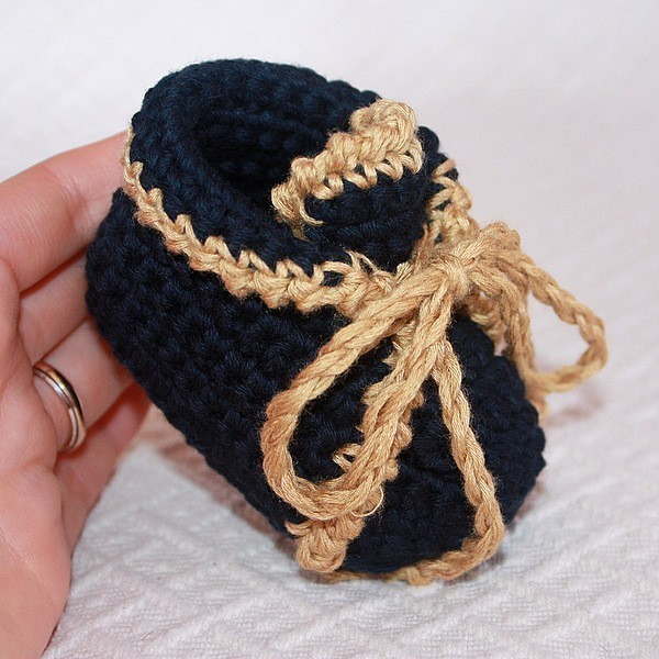 how to make baby shoes with wool